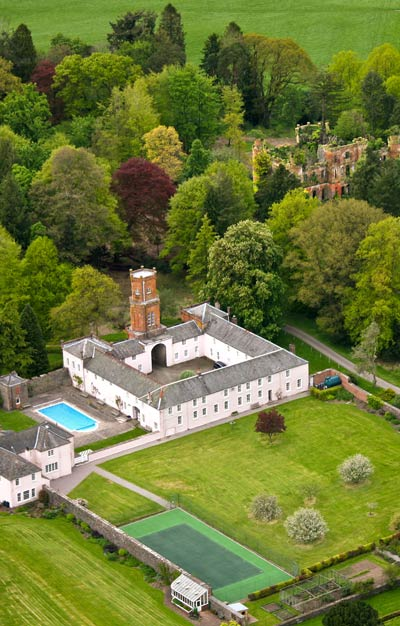 Gelston Castle and courtyard, aerial photo